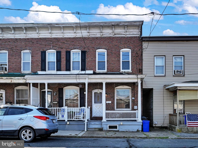 6 E Lawton Street , SAINT CLAIR, Pennsylvania image 1