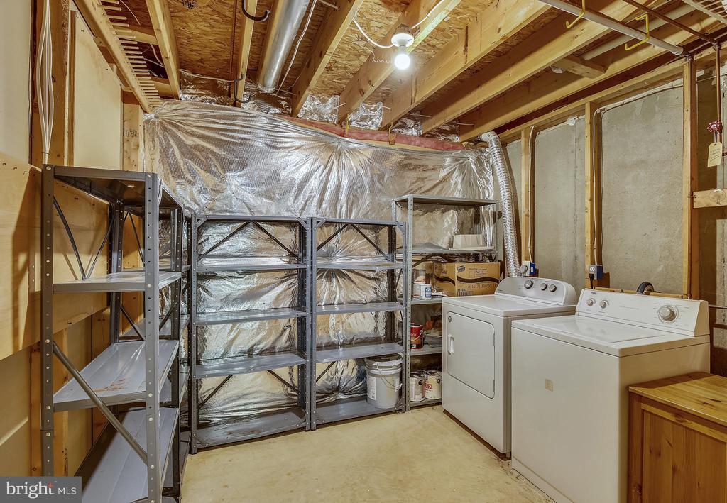 Laundry & Storage - 5970 EDGEHILL CT, ALEXANDRIA