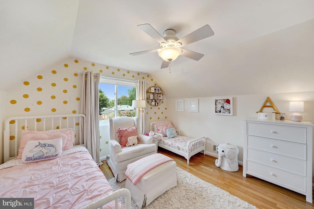 Upper Level Second Bedroom 2 - 606 N OWEN ST, ALEXANDRIA