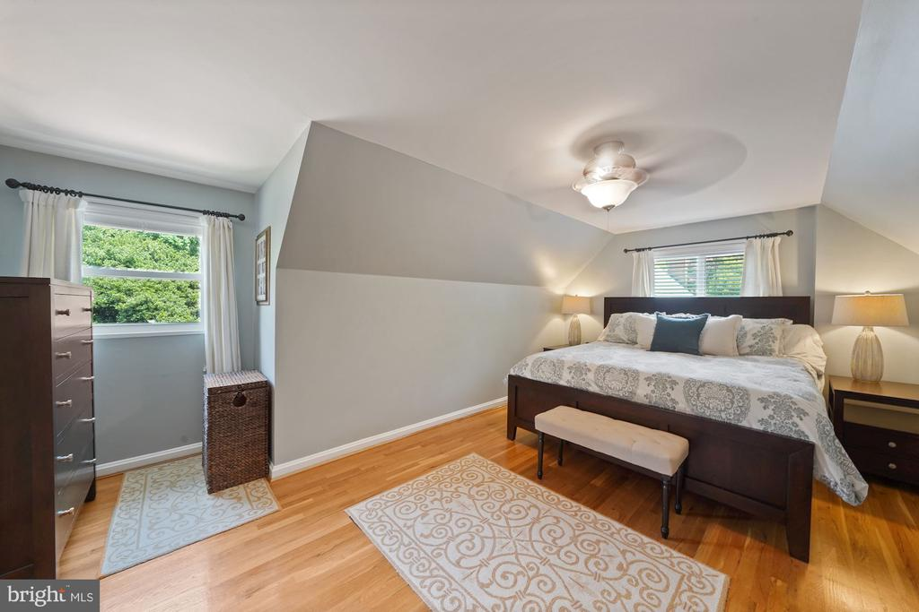 Bright Primary Bedroom - 606 N OWEN ST, ALEXANDRIA
