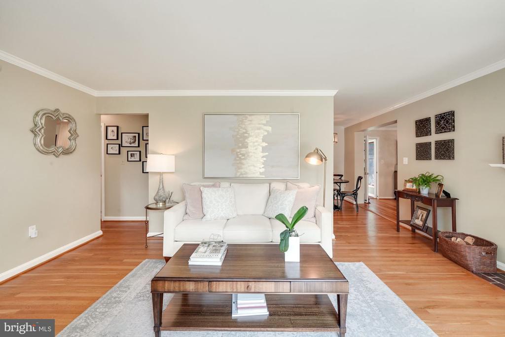 Living Room 3 - 606 N OWEN ST, ALEXANDRIA