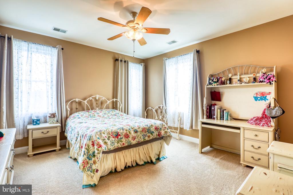 Bedroom #5 - 1035 HETH PL, WINCHESTER