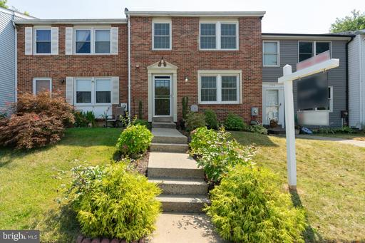 1708 COUNTRY CT