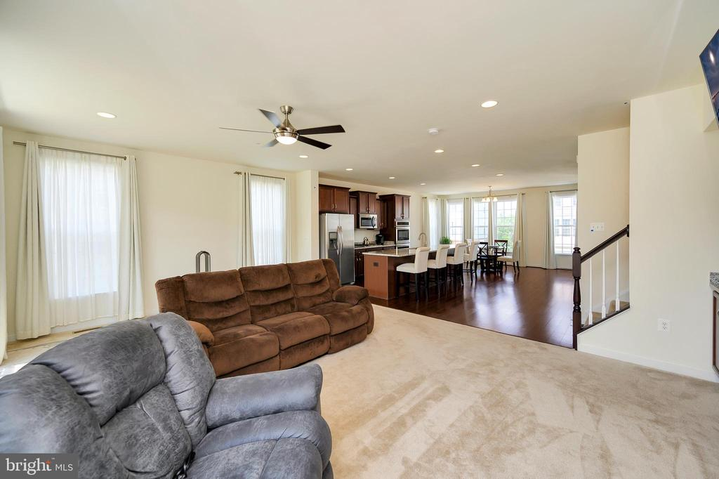 View great room - 114 THRESHER LN #18, STAFFORD