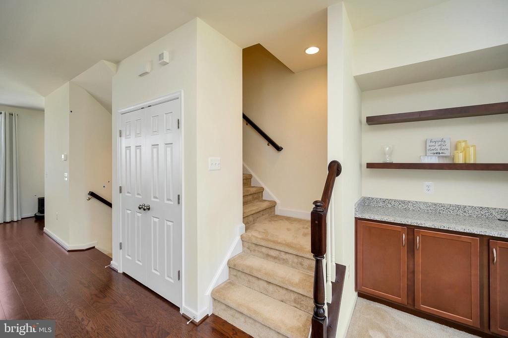 Spacious double door pantry - 114 THRESHER LN #18, STAFFORD