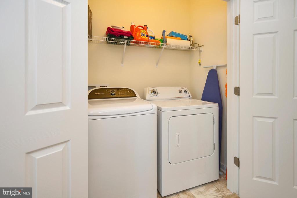 Convenient upper level laundry closet. - 114 THRESHER LN #18, STAFFORD