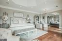 Luxury Owners Suite - 15830 SPYGLASS HILL LOOP, GAINESVILLE