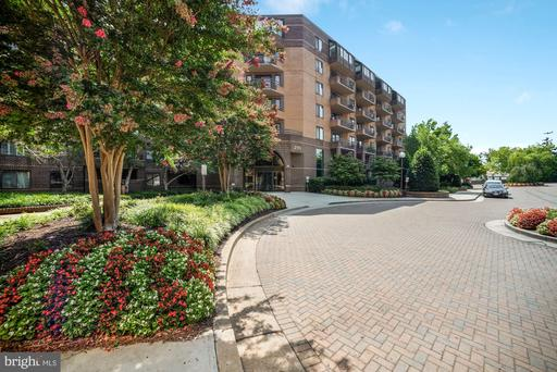 2111 WISCONSIN AVE NW #317