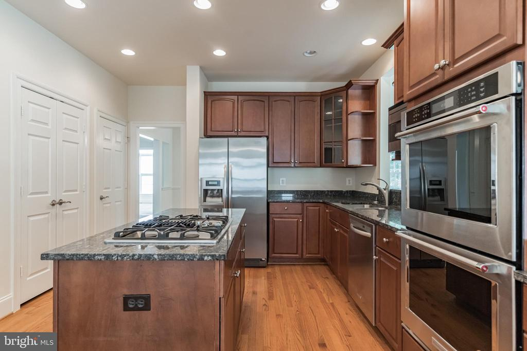 Granite Counters! - 3336 DONDIS CREEK DR, TRIANGLE