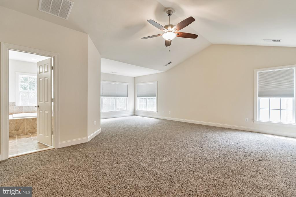 OPEN   BRIGHT  & Airy - 3336 DONDIS CREEK DR, TRIANGLE