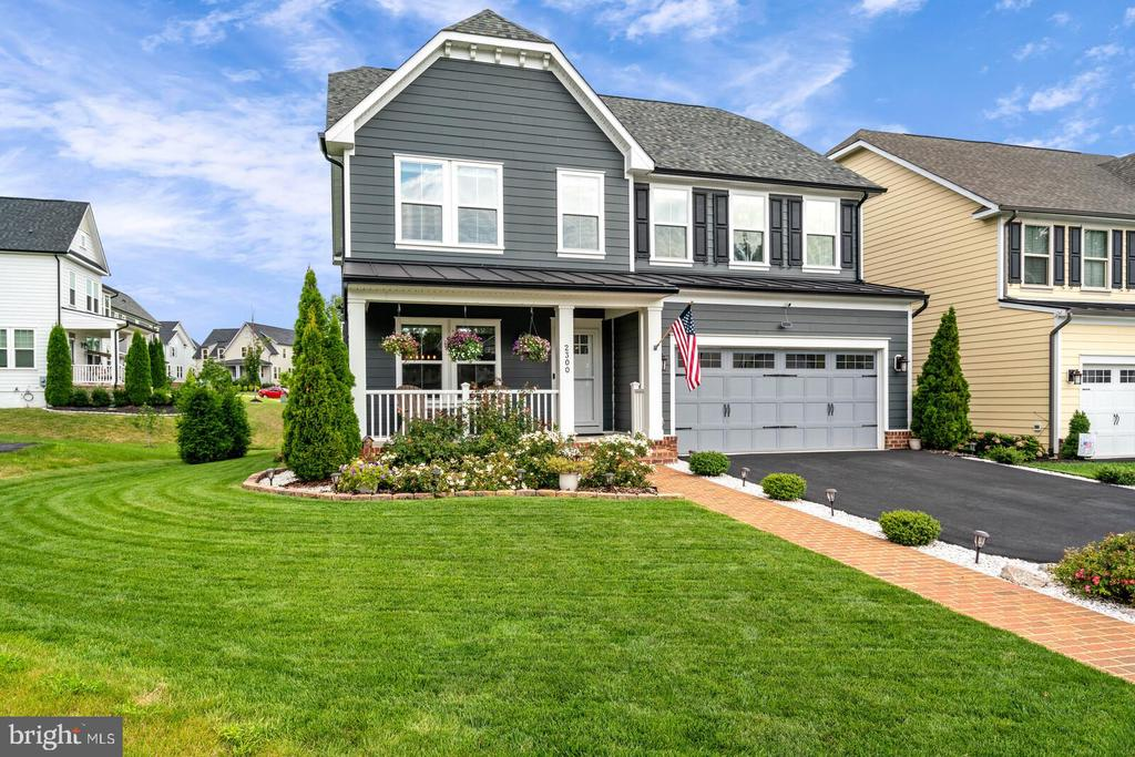 I am sure you will agree this is a nice home - 2300 HARMSWORTH DR, DUMFRIES