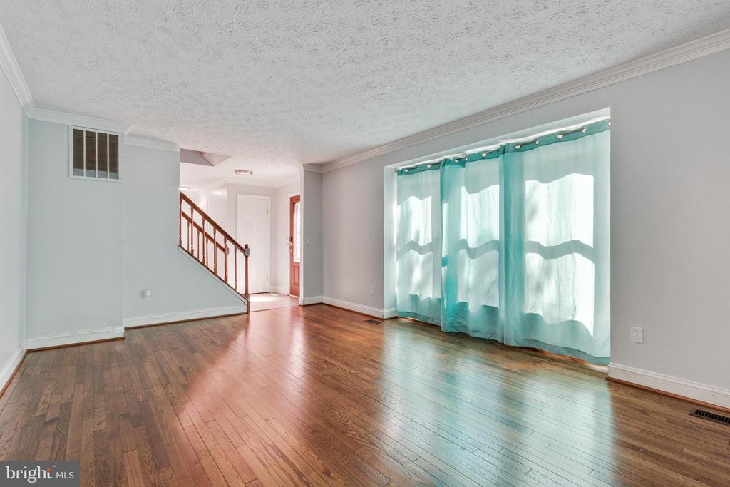Formal Living Room - 3008 MEDITERRANEAN DR, STAFFORD