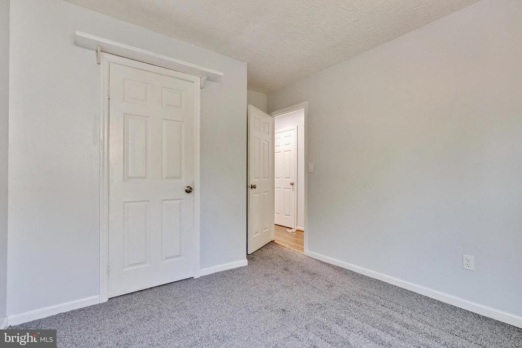 Bedroom 3 - 3008 MEDITERRANEAN DR, STAFFORD