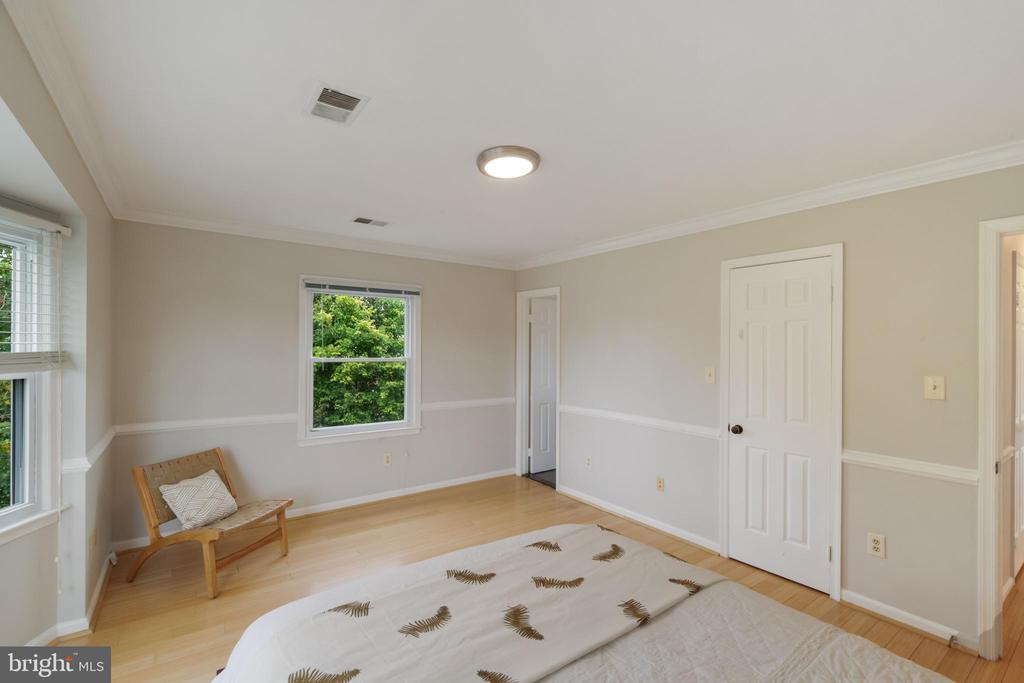 Spacious Primary Bedroom - 1406 POWELLS TAVERN PL, HERNDON