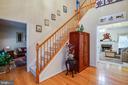 Gleaming wood floors & beautiful stairway - 8300 MUSKET RIDGE LN, FREDERICKSBURG
