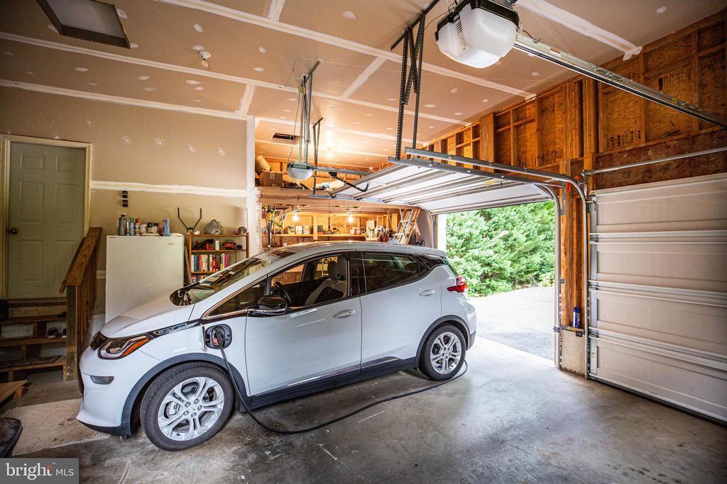 Oversize garage with work shop - 8300 MUSKET RIDGE LN, FREDERICKSBURG