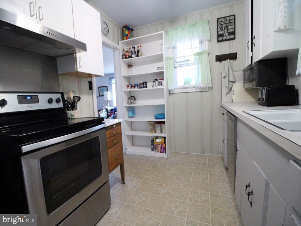 27 3RD ST - Picture 9