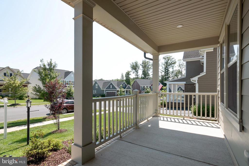 Front Porch - 2612 CROSSVINE DR, DUMFRIES