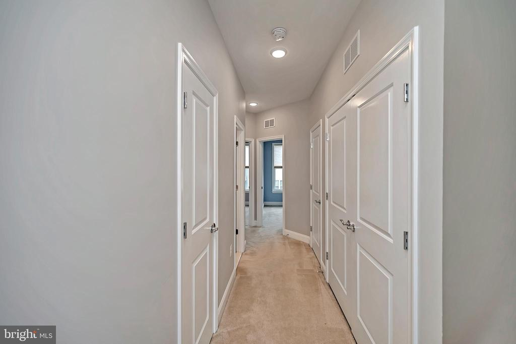 Upstairs Hallway Leading To Bedrooms and Laundry - 17359 REDSHANK RD, DUMFRIES