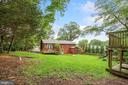 Big backyard and beautiful estate setting - 5905 DEWEY DR, ALEXANDRIA