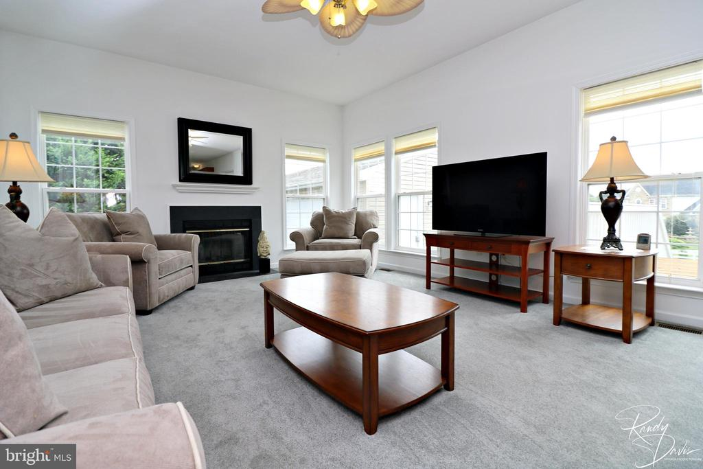 Family Room - 26 STONEWAY CT, CHARLES TOWN