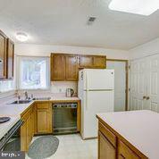 Kitchen - 11515 BEND BOW DR, FREDERICKSBURG
