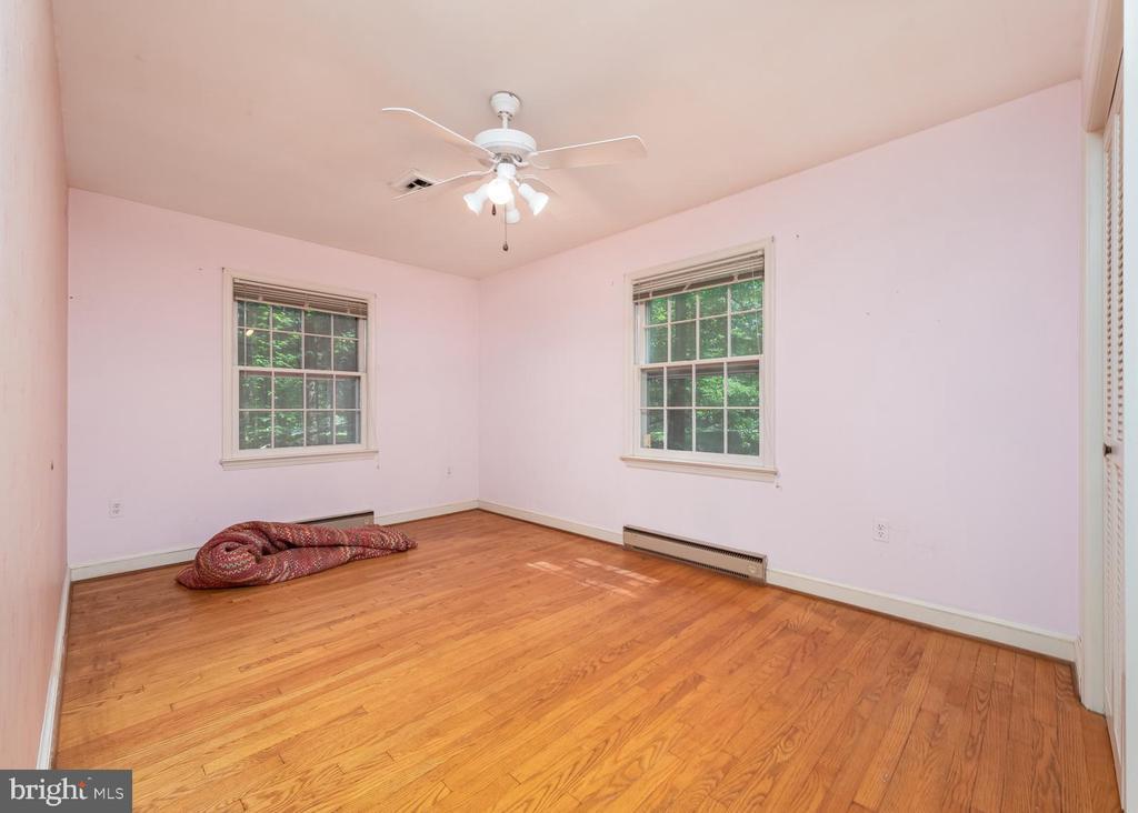 Bedroom 4 - 16201 DUSTIN CT, BURTONSVILLE