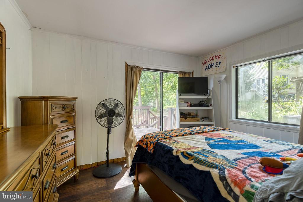 2nd bedroom on main floor - 104 STABLE CV, STAFFORD