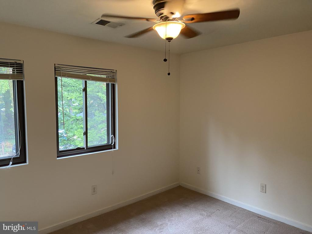Ceiling fan secondupper level  bedroom - 11605 CLUBHOUSE CT, RESTON