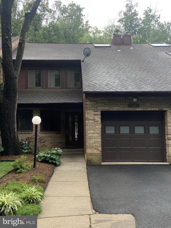 Street view of townhouse - 11605 CLUBHOUSE CT, RESTON