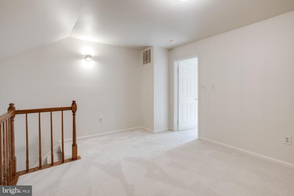 Loft/Flex Room - 14499 WHISPERWOOD CT, DUMFRIES
