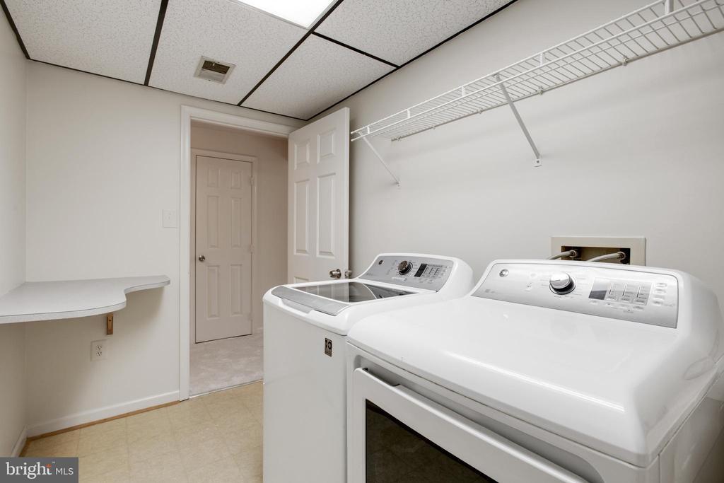 Laundry Room - 14499 WHISPERWOOD CT, DUMFRIES
