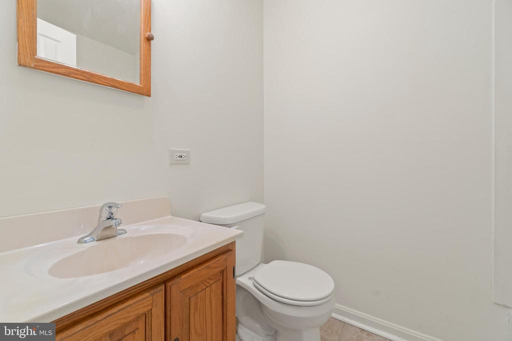 2nd full bathroom - 781 COURTHOUSE RD, STAFFORD