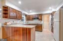 Silestone countertops and Cherry Countertops - 8927 BURBANK RD, ANNANDALE