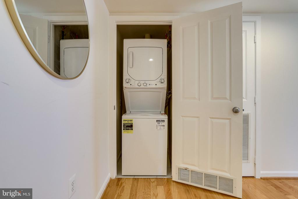 Brand new washer/dryer in the unit. - 2220 FAIRFAX DR #803, ARLINGTON