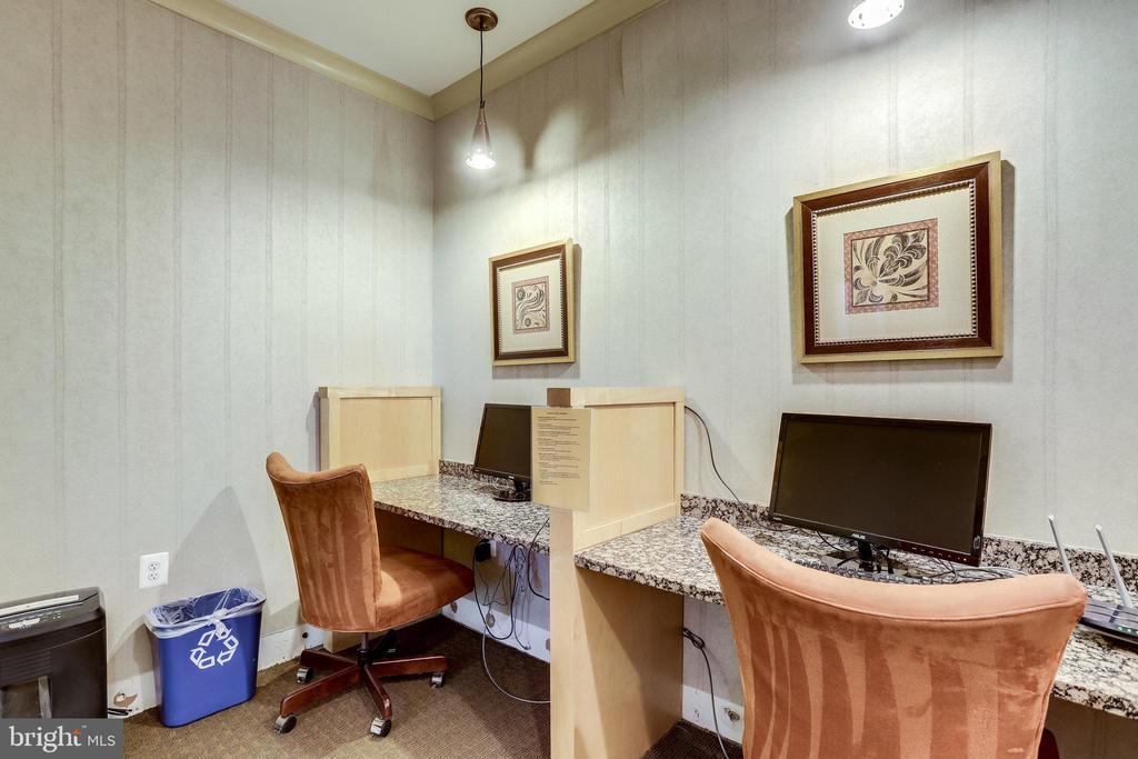 Business center. - 2220 FAIRFAX DR #803, ARLINGTON