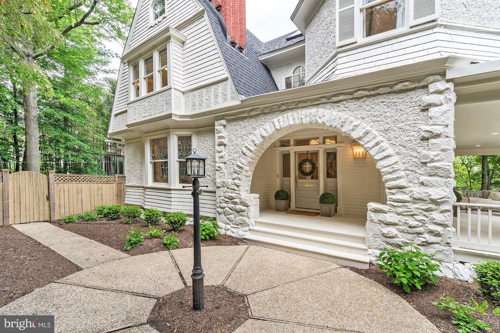 Elegant Stucco & Stone Facade - 3315 HIGHLAND PL NW, WASHINGTON
