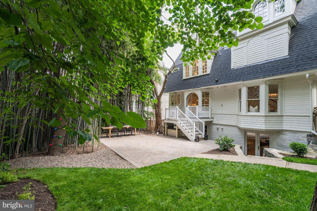Private, Intimate Rear Patio - 3315 HIGHLAND PL NW, WASHINGTON