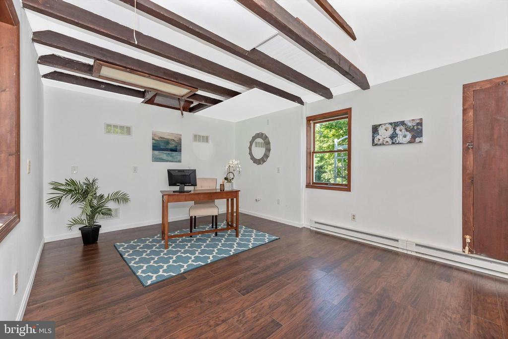 Apartment, plumbing, heating, electric - 19121 WINDSOR FOREST RD, MOUNT AIRY
