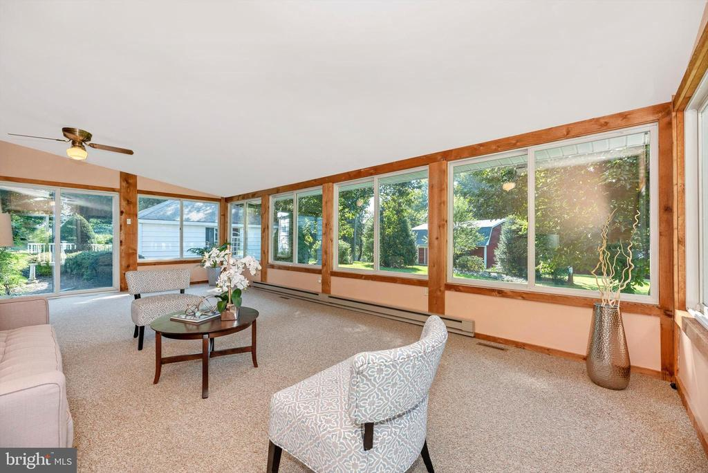 Fully finished, heated, AC sunroom - 19121 WINDSOR FOREST RD, MOUNT AIRY