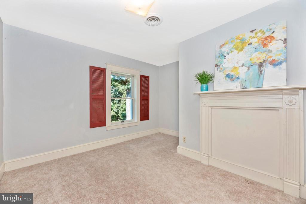 Bedroom 2 - 19121 WINDSOR FOREST RD, MOUNT AIRY