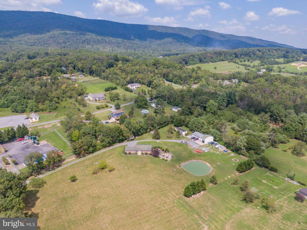 Drone view of property. - 140 BOWMAN LN, WINCHESTER
