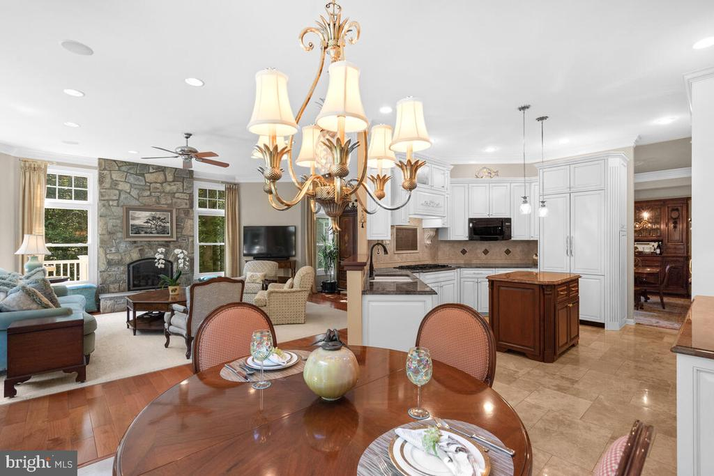 Open Concept Living - 20260 ISLAND VIEW CT, STERLING