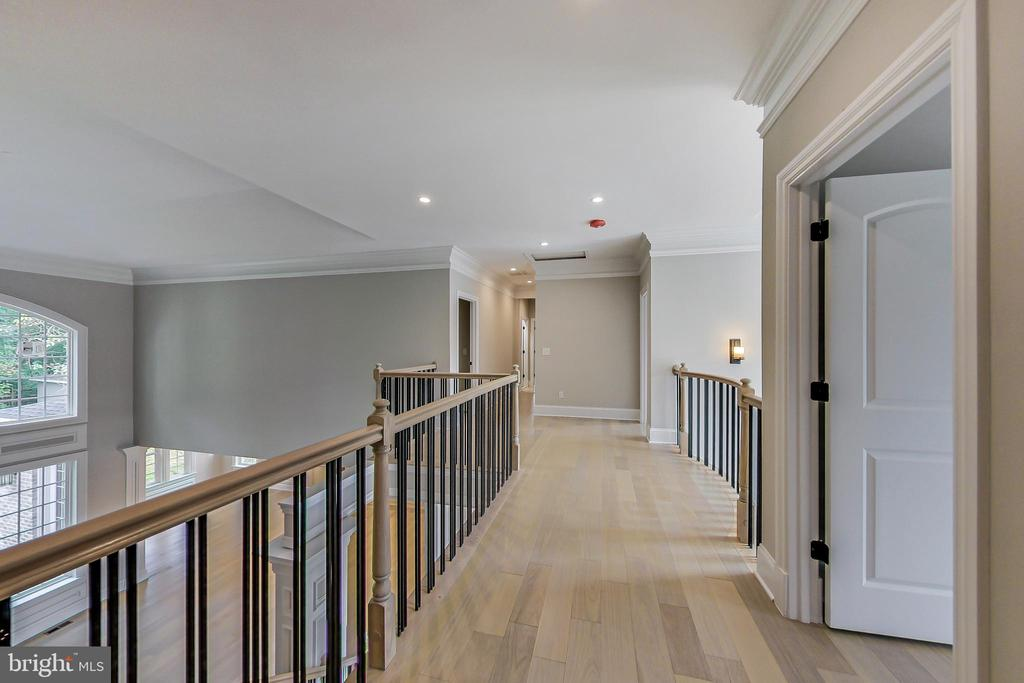 Hallway on upper level - 3104 SLEEPY HOLLOW RD, FALLS CHURCH