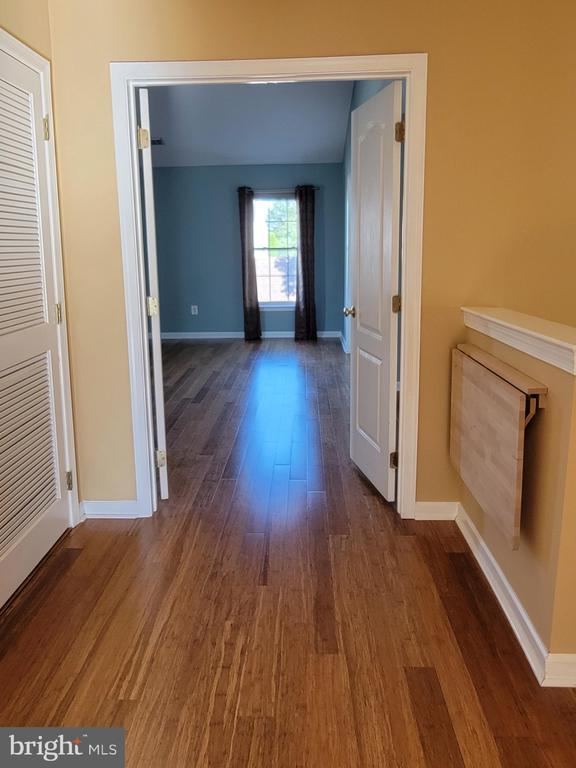 Upstairs with folding table put down out of use - 25452 CROSSFIELD, CHANTILLY