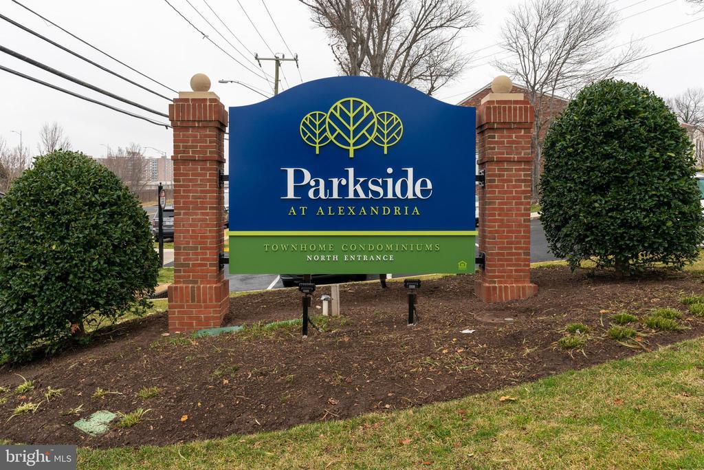 Parkside at Alexandria Community - 1277 N VAN DORN ST, ALEXANDRIA
