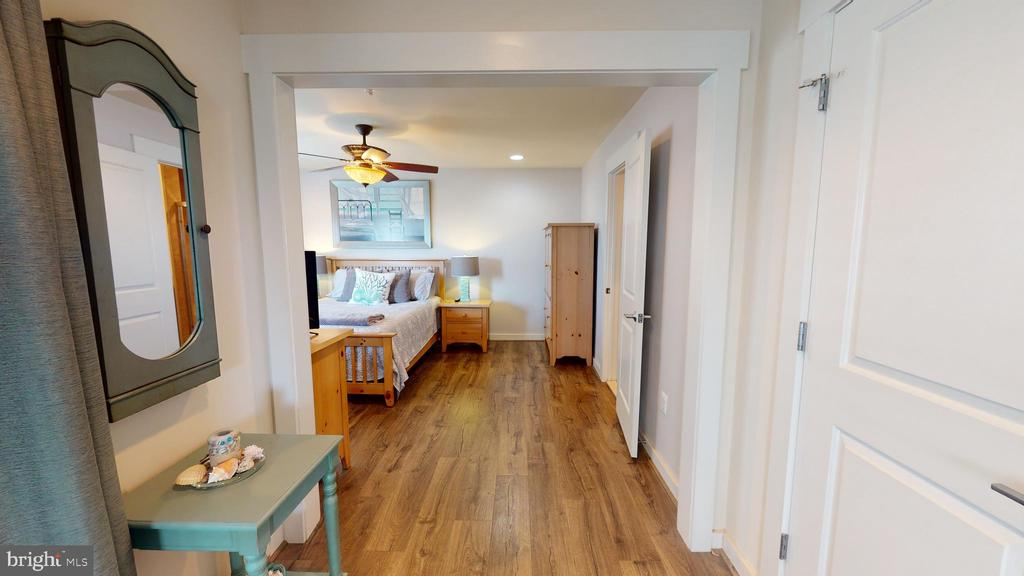 Gorgeous new flooring - 22469 VERDE GATE TER, BRAMBLETON