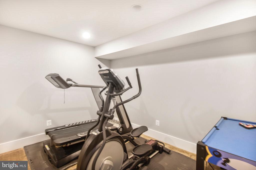 Fitness room - 2440 POTOMAC RIVER BLVD, DUMFRIES