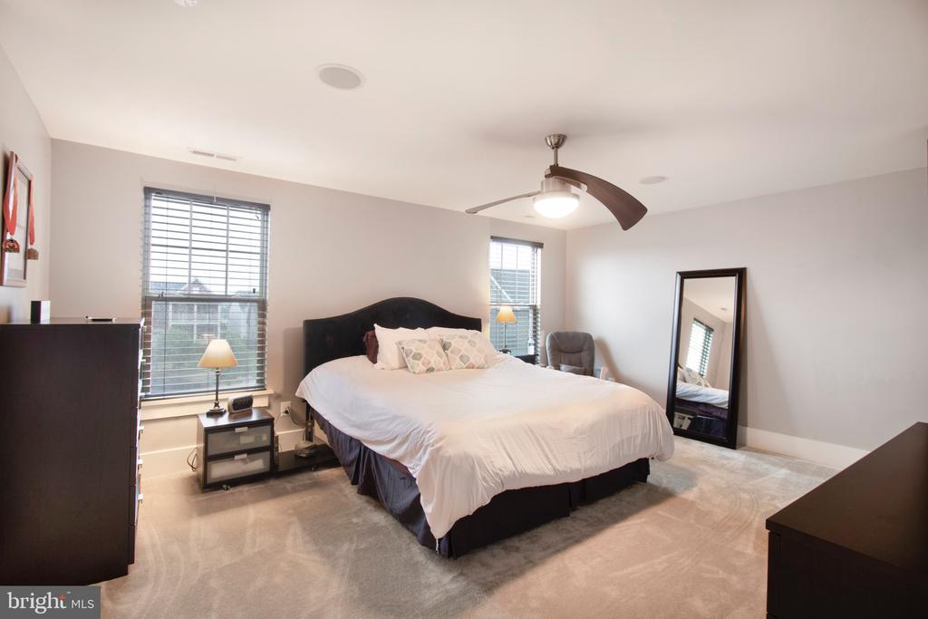 Primary suite style bedroom - 2440 POTOMAC RIVER BLVD, DUMFRIES
