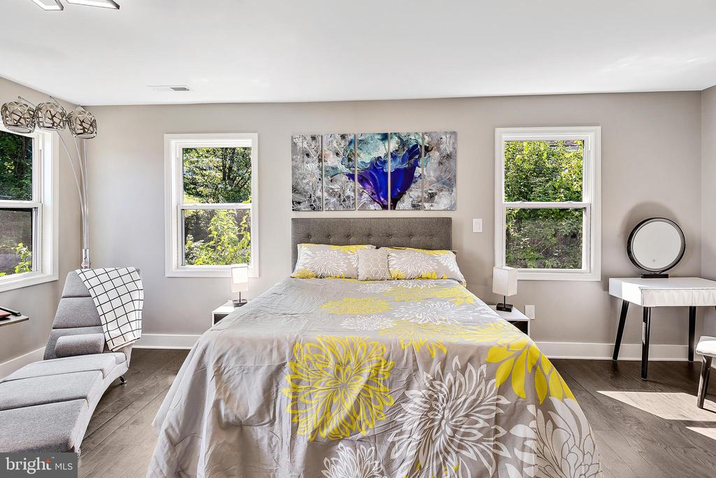 Primary bedroom - 2217 FRANKLIN ST NE, WASHINGTON